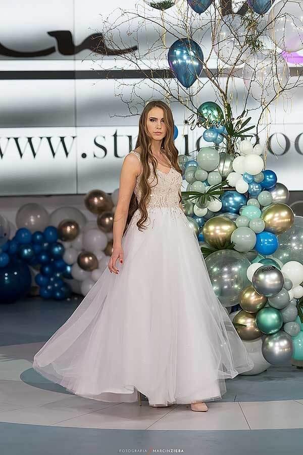 suknie-slubne-Lara